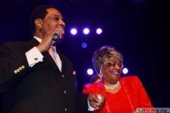 benefit-2012-onstage-108